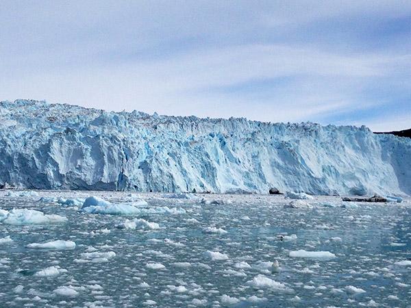 [氷の島グリーンランド]極北の氷河を巡るハイキング8日間